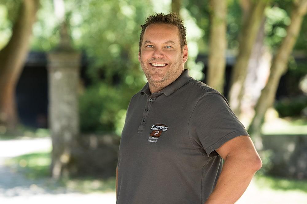 Tischlermeister Thorsten Pickelein von der Tischlerei Pickelein