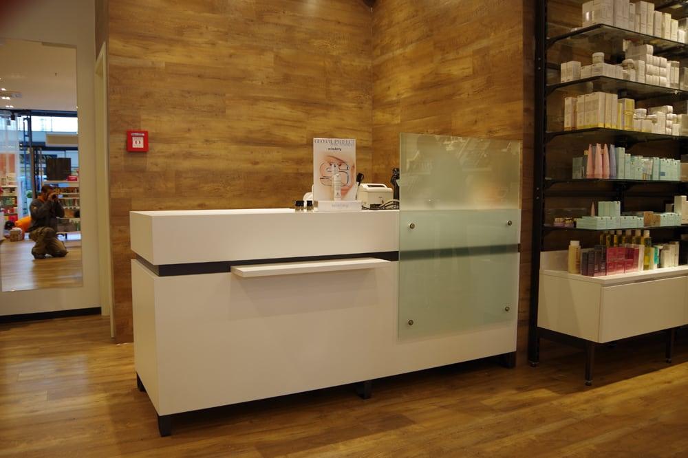 Laden der Tischlerei Pickelein von innen